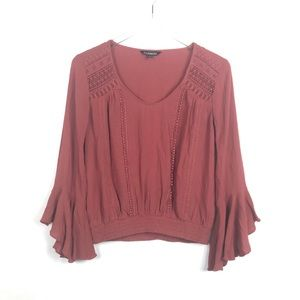 Express | Bell sleeved blouse.